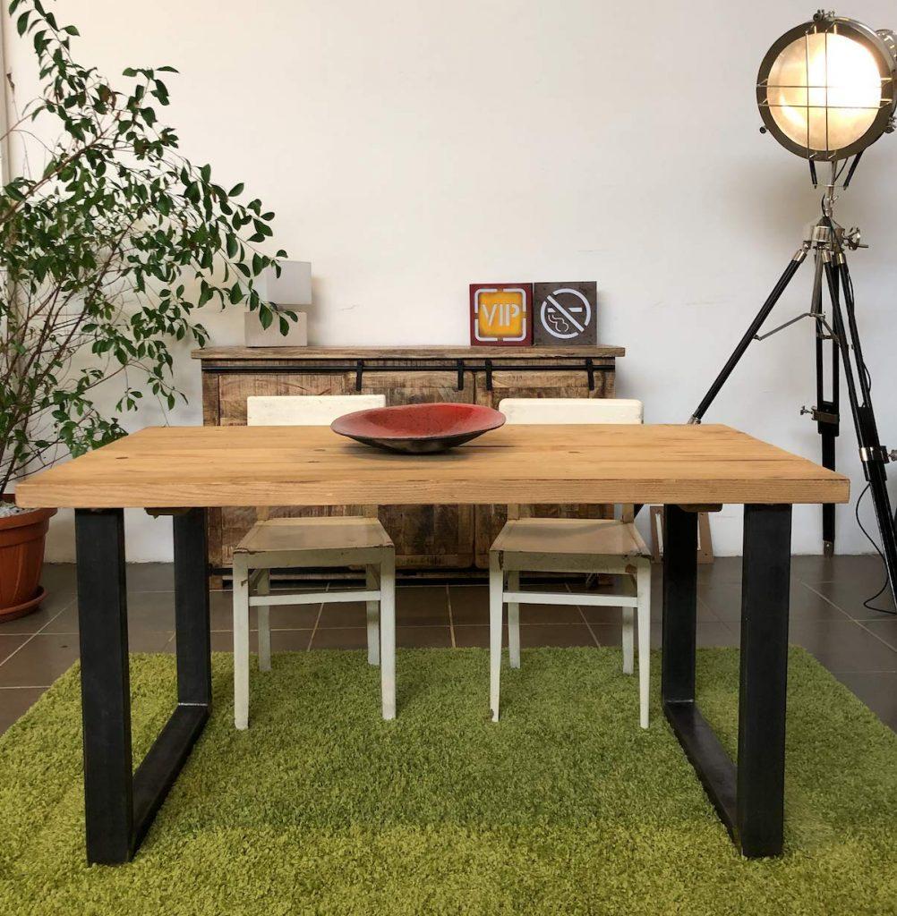 tavolo stile industriale